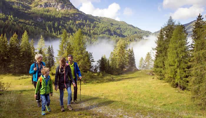 Wandelen bij Radstadt met het hele gezin