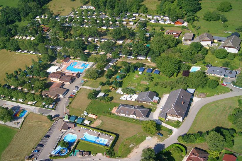 Camping Les Fontaines in Lathuile is een kindvriendelijke camping in Frankrijk