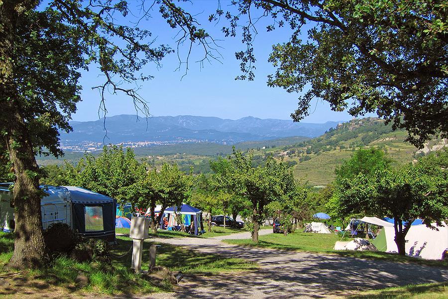 Camping Les Charmilles in Darbres is een kindvriendelijke camping in Frankrijk