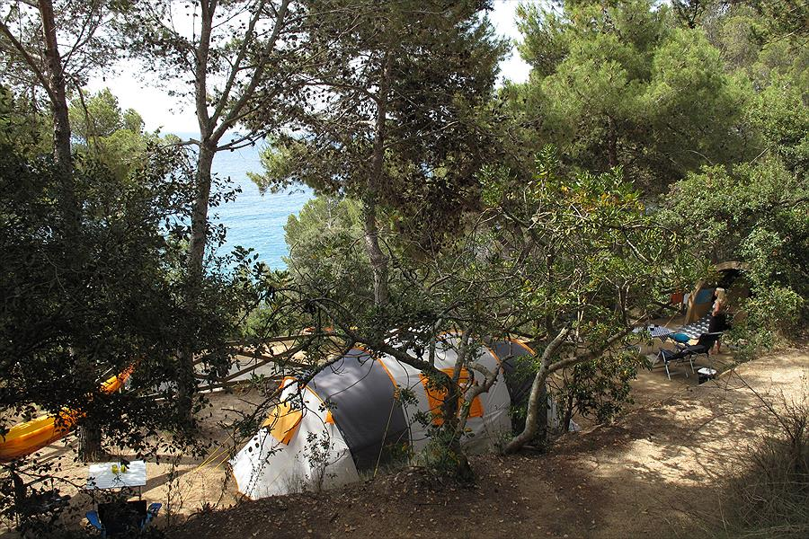 Camping Cala Llevadó bij Tossa de Mar (Gerona)