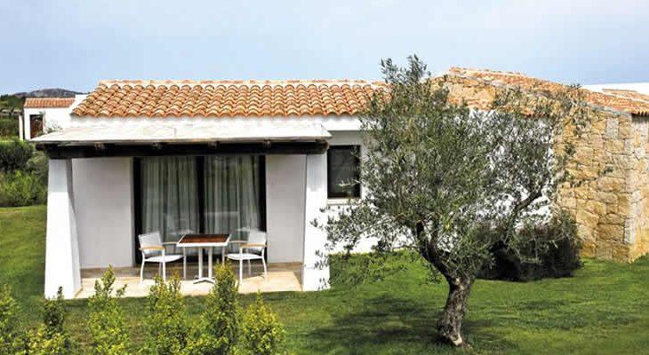 Premium residentie Grande Baia Resort Sardinië, Italië. Tips, korting en aanbiedingen