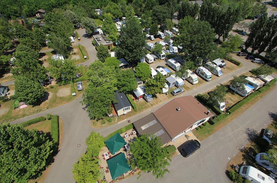 Donaupark Camping Klosterneuburg bij Klosterneuburg (Neder-Oostenrijk)