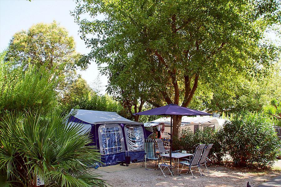 Camping Les Cigales bij Mandelieu-la-Napoule (Alpes-Maritimes)