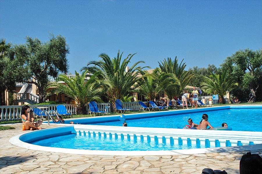 Camping Karda Beach in Dassia is een kindvriendelijke camping in Griekenland