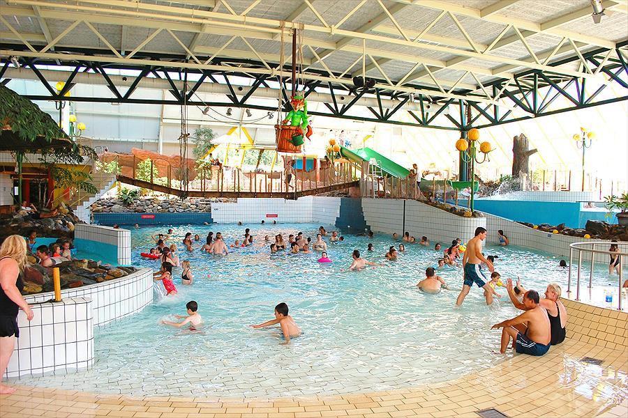 Aanbieding oostappen vakantiepark hengelhoef houthalen for Zwembad belgie