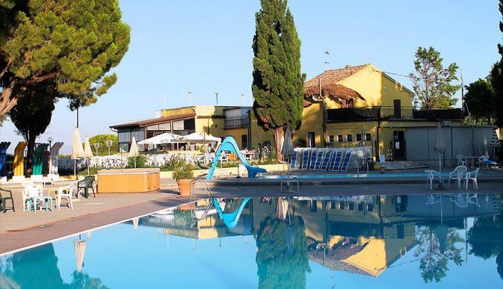 Aanbiedingen en korting Camping Village Mar y Sierra San Costanzo