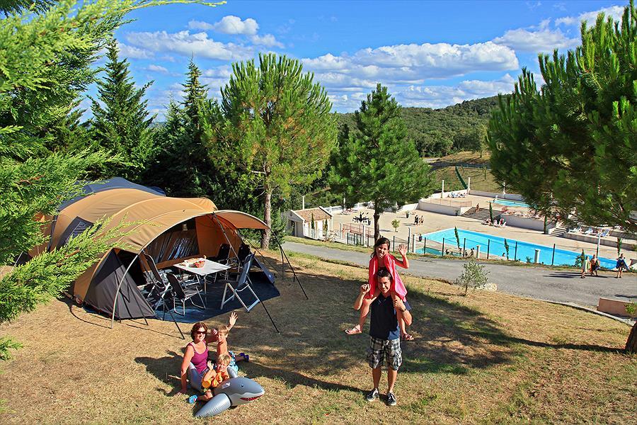 Camping Yelloh! Village Domaine d'Arnauteille bij Montclar (Aude)