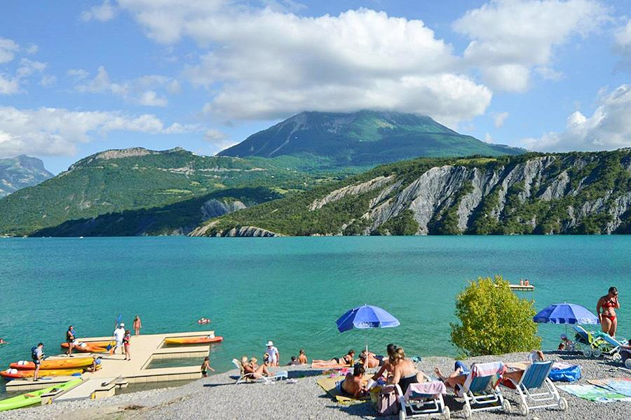 Camping Odalys Les Berges du Lac in Le Lauzet-Ubaye is een kindvriendelijke camping in Frankrijk