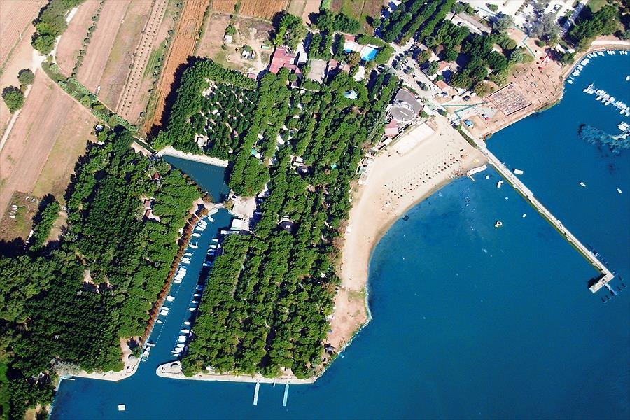 Camping Village Punta Navaccia in Tuoro sul Trasimeno is een kindvriendelijke camping in Italië