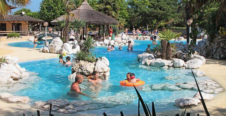 Aanbiedingen en korting Tahiti Camping & Thermae Bungalow Park Lido di Nazioni