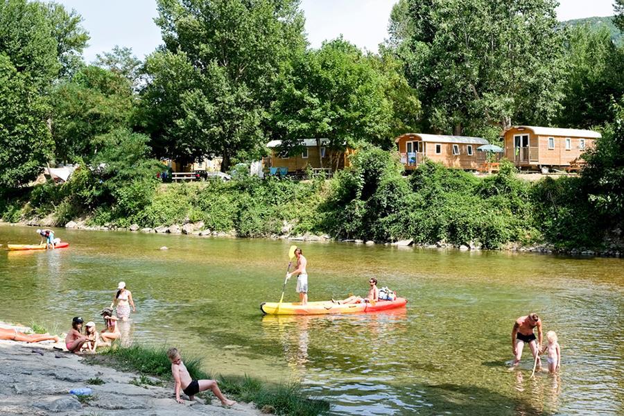 Camping Huttopia Millau in Millau is een kindvriendelijke camping in Frankrijk