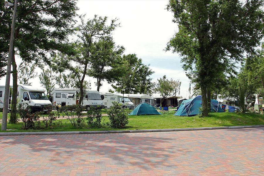 Camping Oasi in Sottomarina is een kindvriendelijke camping in Italië