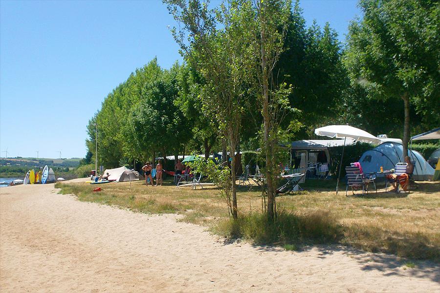 Camping Les Genêts in Salles-Curan is een kindvriendelijke camping in Frankrijk