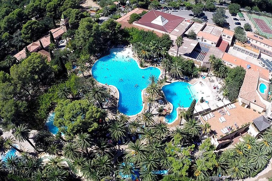 Camping La Torre del Sol in Montroig is een kindvriendelijke camping in Spanje