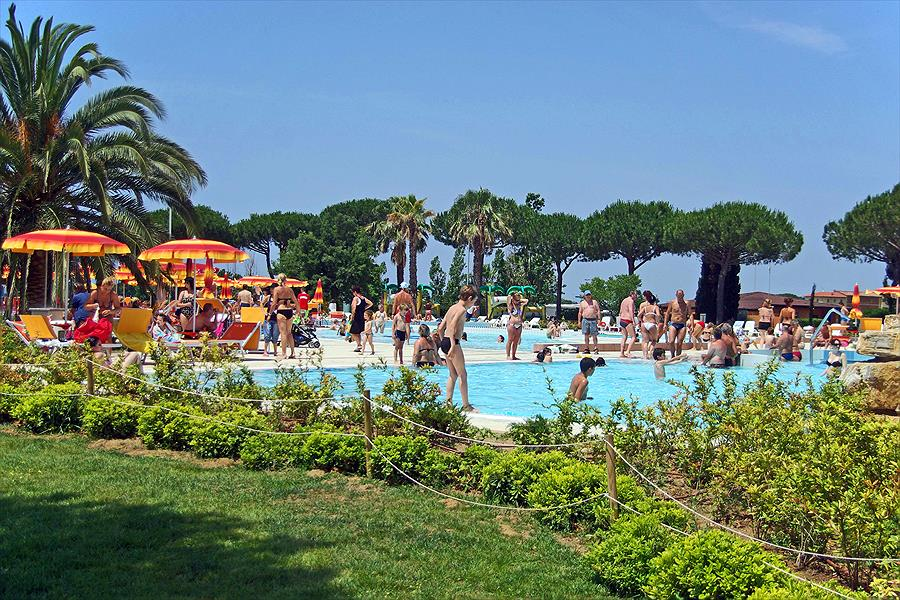 Camping Pappasole bij Riotorto (Livorno)