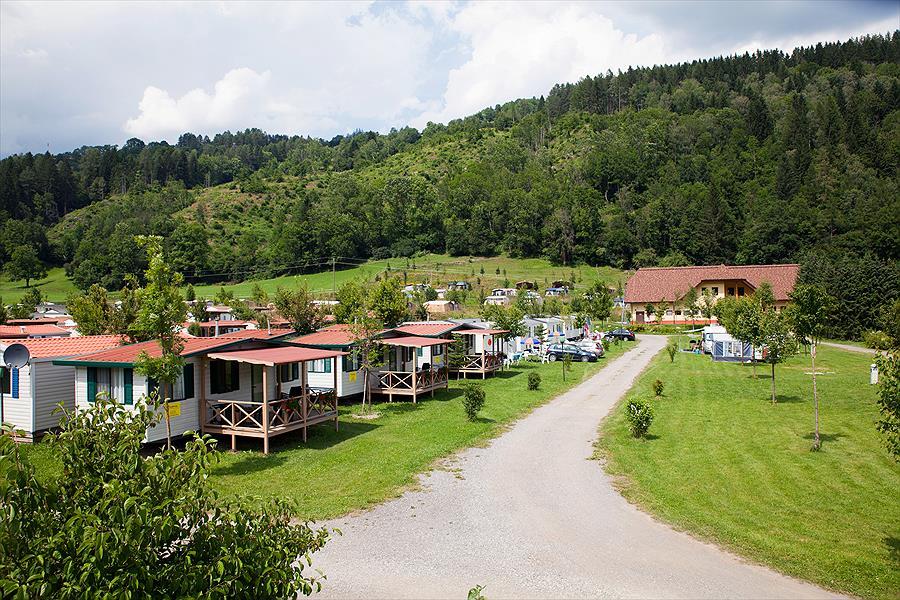 Camping Bella Austria in Sankt Peter am Kammersberg is een kindvriendelijke camping in Oostenrijk