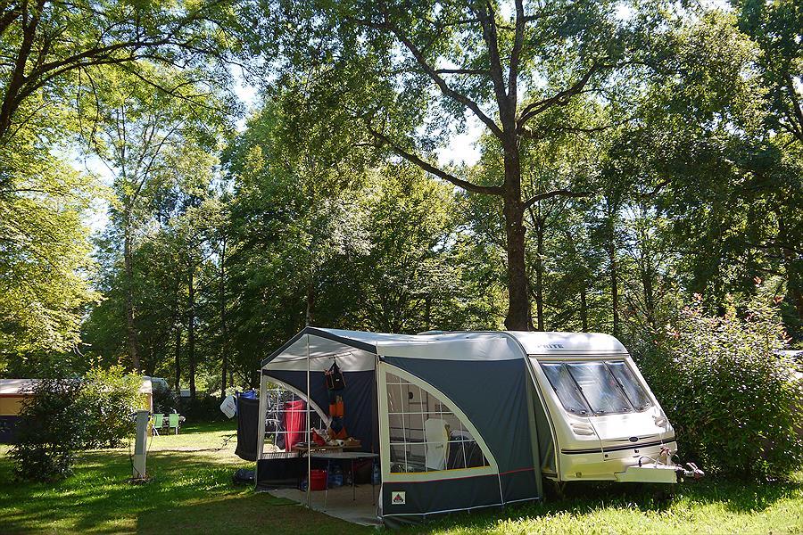 Camping Huttopia Beaulieu sur Dordogne in Beaulieu-sur-Dordogne is een kindvriendelijke camping in Frankrijk