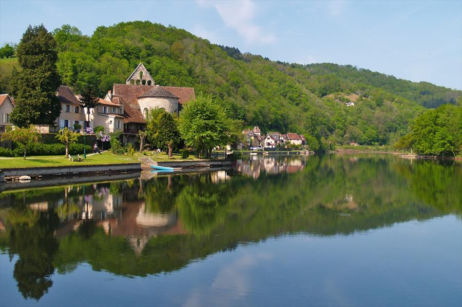 Camping Huttopia Beaulieu sur Dordogne bij Beaulieu-sur-Dordogne (Corrèze)