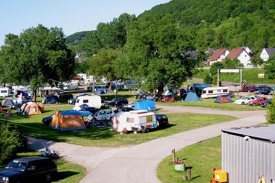 Knaus Campingpark Burgen/Mosel in Burgen is een kindvriendelijke camping in Duitsland