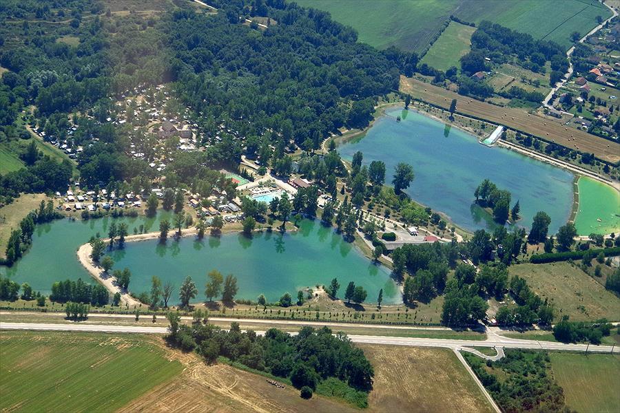 Camping Les 3 Lacs du Soleil in Trept is een kindvriendelijke camping in Frankrijk