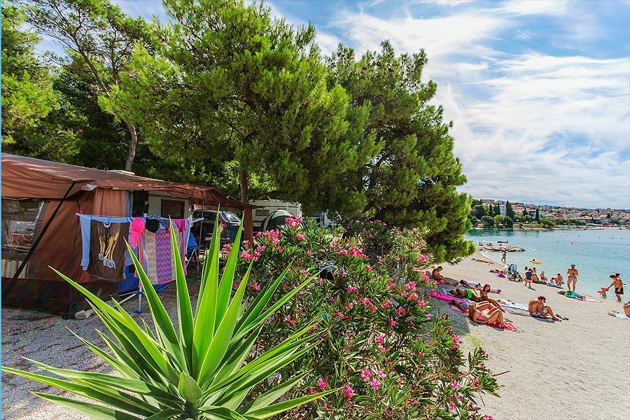 Camping Rozac in Okrug Gornji is een kindvriendelijke camping in Kroatië