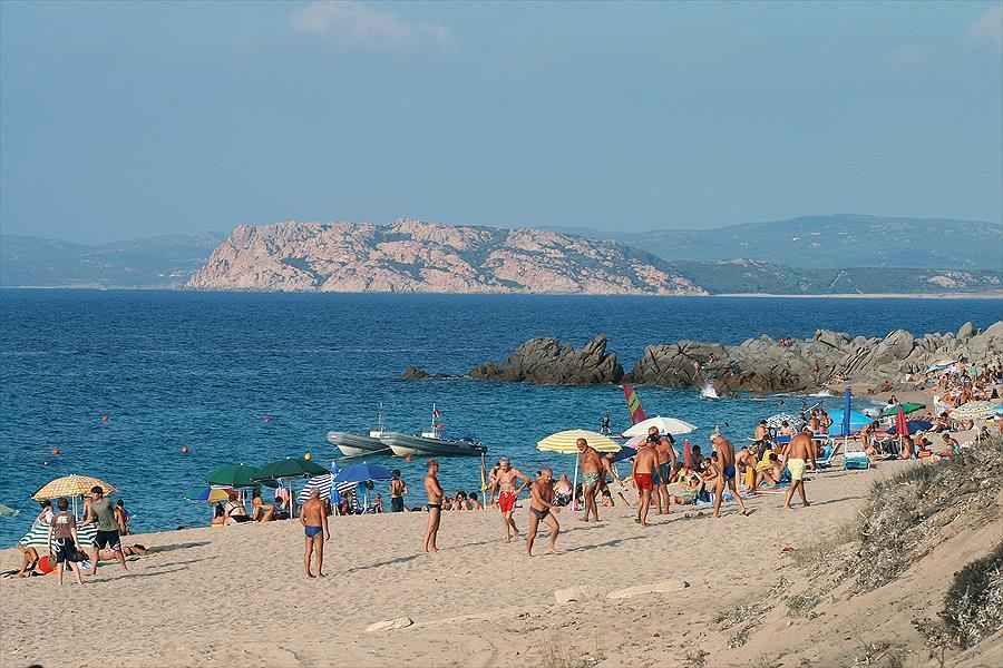 Camping Village Baia Blu La Tortuga in Aglientu is een kindvriendelijke camping in Italië