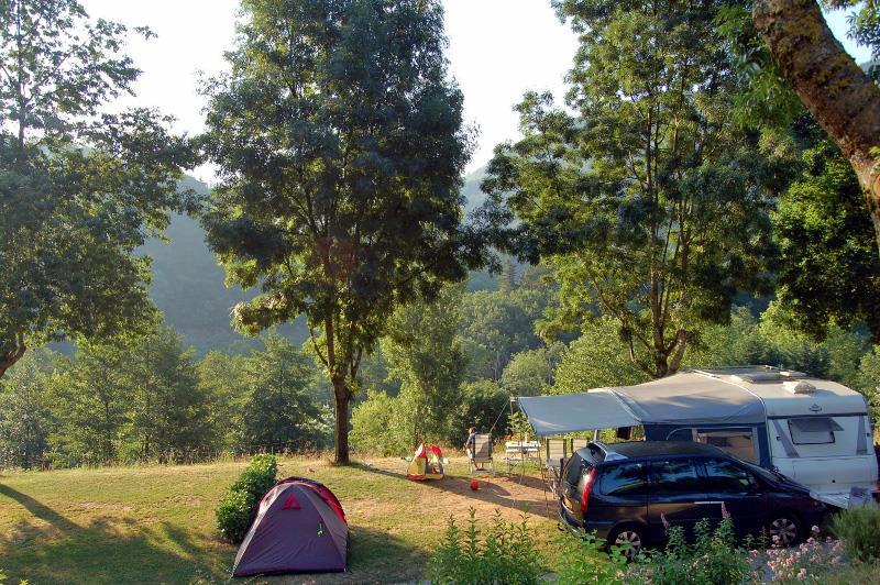 Camping l'Ardéchois bij Saint-Sauveur-de-Montagut (Ardèche)