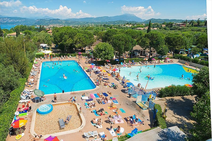 Camping Cisano/San Vito in Bardolino is een kindvriendelijke camping in Italië